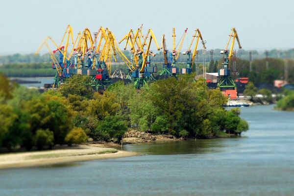 The Romanian company began to deepen the ports of Izmail and Reni